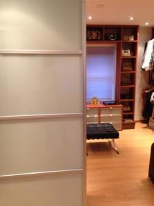 Inloopkasten - Scheiden een kamer door een gordijn ...